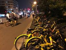 Aller à vélo - révolution verte de transport Images libres de droits