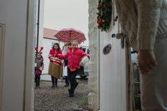 Aller au ` s de grand-mère pour Noël Image libre de droits