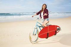 Aller surfer Photo stock