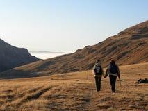 Aller vers le bas à partir du dessus de montagne Image stock