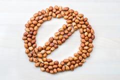 Allergia dell'arachide Fermi, segno severo, proibito e vietato Immagini Stock Libere da Diritti