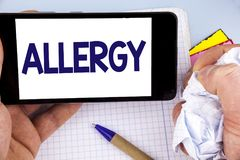 Allergia di scrittura del testo della scrittura E Immagine Stock