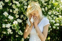 Allergia in parco Immagine Stock