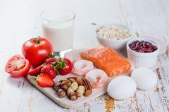 Allergie alimentari - concetto dell'alimento con gli allergeni importanti Fotografia Stock