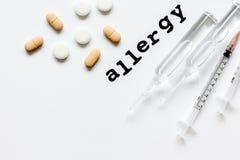 Allergie alimentari di concetto su fondo di legno Immagini Stock Libere da Diritti