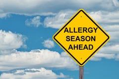 Allergiezeit voran Warnzeichen lizenzfreies stockbild