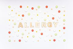 allergy Alérgenos, comprimidos do antistamínico, alergias sazonais Configuração mínima do plano foto de stock