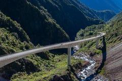 Allerta del viadotto di Otira, parco nazionale del passaggio del ` s di Arthur, Nuova Zelanda Immagine Stock Libera da Diritti