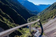 Allerta del viadotto di Otira, parco nazionale del passaggio del ` s di Arthur, Nuova Zelanda Fotografie Stock Libere da Diritti