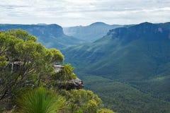 Allerta della roccia del quadro di comando in montagne blu Fotografie Stock Libere da Diritti