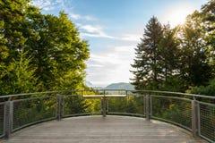 Allerta di Dickson Falls Trail con una bella vista della riva di Fundy Fotografia Stock Libera da Diritti