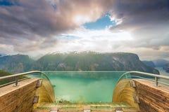 Allerta di Stegastein e del fiordo in Norvegia Immagini Stock Libere da Diritti