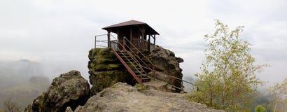 Allerta di vyhlidka di Mariina vicino a Jetrichovice nel parco nazionale di Ceskosaske Svycarsko Immagini Stock Libere da Diritti