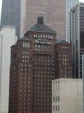Allerton-Hotel u. Tipp-Spitzen-Hahn Stockfotografie