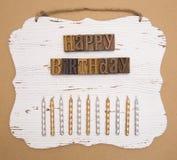 Alles Gute zum Geburtstag buchstabiert in der Art Satz Stockbild