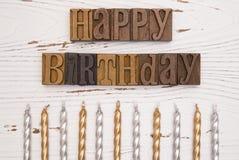 Alles Gute zum Geburtstag buchstabiert in der Art Satz Lizenzfreie Stockfotos