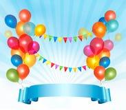 Alles Gute zum Geburtstaghintergrund mit bunten Ballonen Stockfotografie