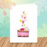 Alles- Gute zum Geburtstagpostkartenschablone mit Kuchen Lizenzfreie Stockfotografie
