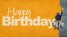 Alles- Gute zum Geburtstagwandgelb lizenzfreie stockfotografie