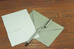 Alles is klaar voor de liefdebrief Stock Afbeelding