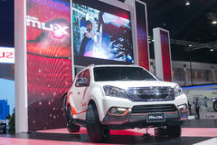 Alles neue Weiß MU-x von Isuzu an der 35. Bangkok-Internationalen Automobilausstellung, Konzept-Schönheit im Antrieb am 27. März 2 Lizenzfreie Stockbilder