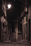 An alley by night Royalty Free Stock Photography