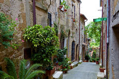 Alley With Old Buildings In Italian City Royalty Free Stock Photos