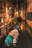Alley of Venice at night Royalty Free Stock Photos