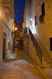Alleyway al crepuscolo. Giovinazzo. Apulia. Immagini Stock Libere da Diritti