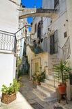 Alleyway. Cisternino. La Puglia. L'Italia. Immagine Stock