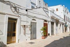 alleyway Cisternino Puglia Italië royalty-vrije stock foto's