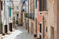 alleyway Conversano La Puglia L'Italia Fotografie Stock