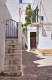 alleyway Fasano La Puglia L'Italia Fotografie Stock Libere da Diritti