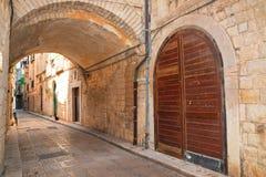 alleyway Giovinazzo La Puglia L'Italia Immagine Stock Libera da Diritti