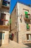 alleyway Giovinazzo La Puglia L'Italia Fotografie Stock Libere da Diritti