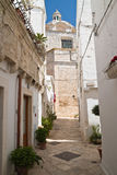 alleyway Locorotondo La Puglia L'Italia Fotografie Stock