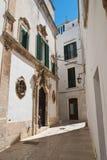 alleyway Martina Franca La Puglia L'Italia Fotografie Stock Libere da Diritti