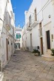 Alleyway. Martina Franca. La Puglia. L'Italia. Fotografie Stock Libere da Diritti