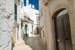 alleyway Martina Franca La Puglia L'Italia Immagini Stock Libere da Diritti