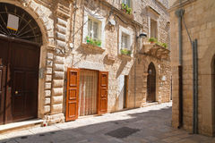 alleyway Molfetta Puglia Italië stock foto