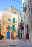 alleyway Monopoli La Puglia L'Italia Fotografia Stock