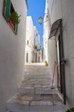 Alleyway. Ostuni. La Puglia. L'Italia. Fotografie Stock Libere da Diritti