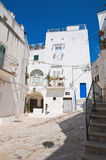 Alleyway. Ostuni. La Puglia. L'Italia. Fotografia Stock
