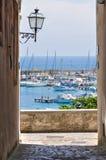 Alleyway. Otranto. La Puglia. L'Italia. Fotografia Stock Libera da Diritti