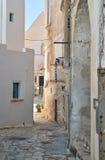 alleyway Polignano una giumenta La Puglia L'Italia Fotografie Stock Libere da Diritti