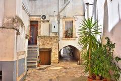 alleyway Turi La Puglia L'Italia Immagini Stock Libere da Diritti