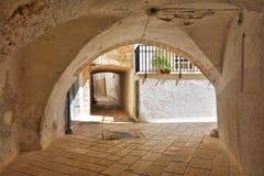 alleyway Turi La Puglia L'Italia Immagine Stock Libera da Diritti