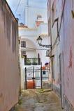 Alleyway. Ugento. Puglia. Włochy. zdjęcie royalty free