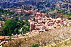 Allgemeine Ansicht der Stadt bei Aragonien im Sommer Lizenzfreie Stockfotografie