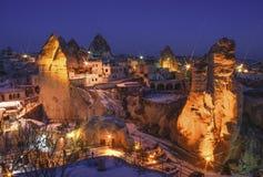 Allgemeine Ansicht des Cappadocia nachts stockbild